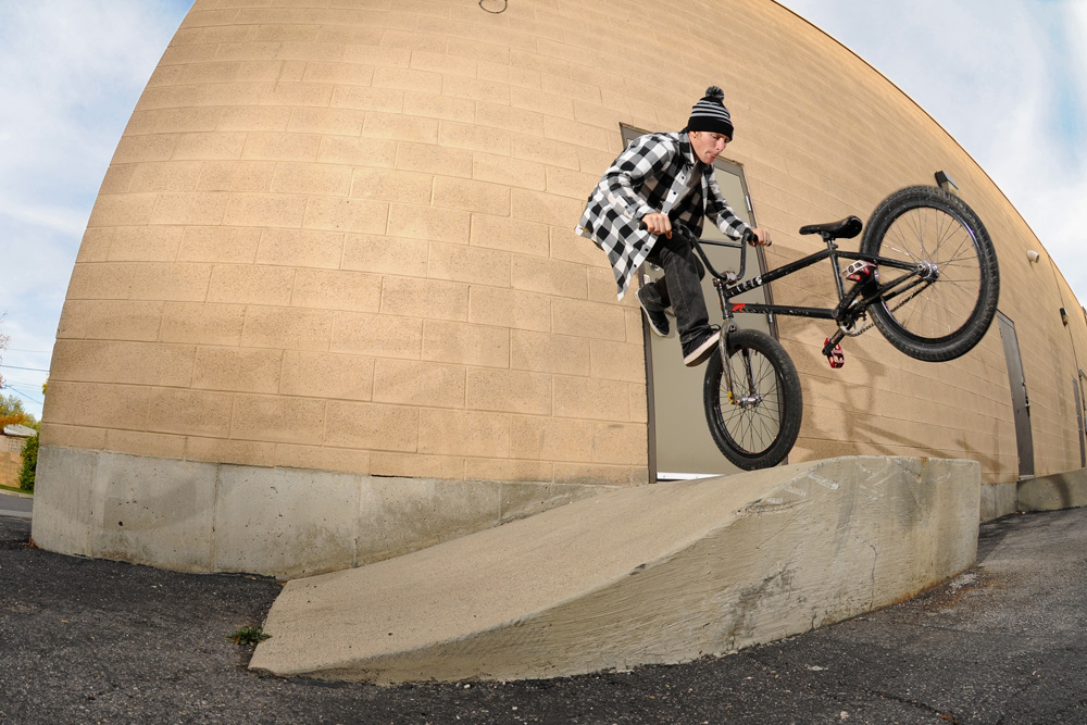 Wall-foot Whip