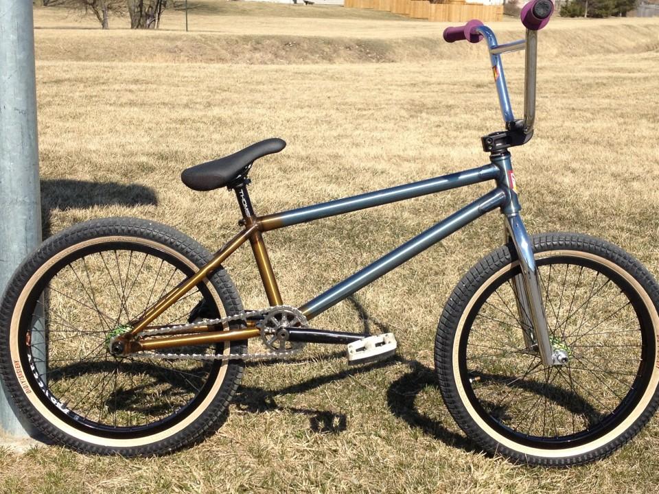 S/&M BMX BIKE HODER BTM BLACK or GREEN GRIPS ODI CULT KINK SCOOTER ANIMAL BMX GRI